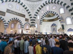 ABD'li Müslümanlar Amerika Diyanet Merkezi'nde bir araya geldi