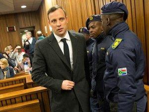Oscar Pistorius davasında karar: 6 yıl hapis