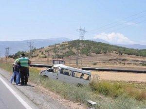 Gaziantep'te otomobil ile minibüs çarpıştı: 11 yaralı