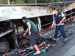 Hareket halindeki otobüs yandı