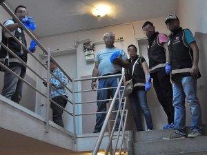 İzmir merkezli FETÖ operasyonunda 8 gözaltı