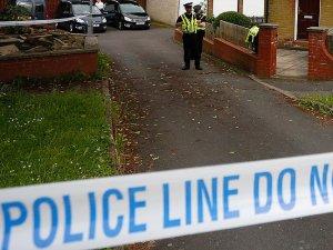 İngiltere'de geri dönüşüm merkezinde duvar çöktü: 5 ölü