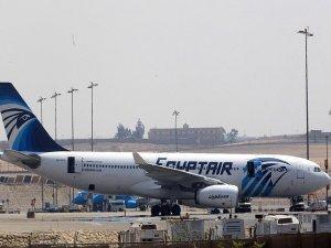 Akdeniz'de düşen uçağın enkaz parçaları bulundu