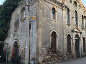 Cami olarak kullanılan eski kilise kültür merkezi oluyor