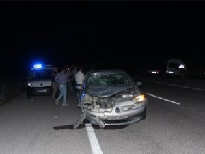 Otomobil motosiklete çarptı: 1 ölü, 1 yaralı
