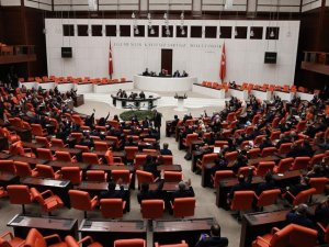 Meclis'te küfür, hakaret ve kavgaya para cezası önerisi