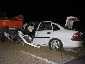 Düğünden dönen aile kaza yaptı: 7 yaralı