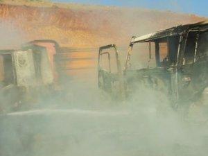 Muş'ta PKK şantiye yaktı
