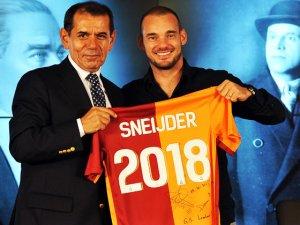 Dursun Özbek'ten Sneijder için şok sözler!