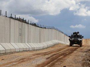 Sınırdan geçmeye çalışan bin 594 kişi yakalandı