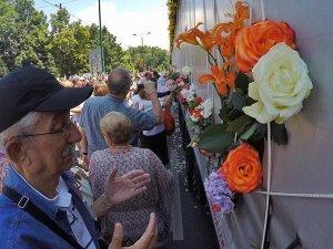 Srebrenitsa kurbanlarının cenazeleri Saraybosna'ya ulaştı