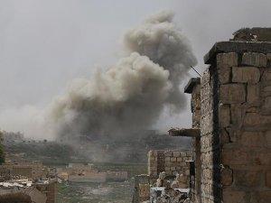 Esed rejimi Halep'in bağlantısını kesti