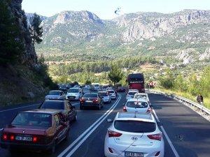 Konya-Antalya karayolunda bayram yoğunluğu
