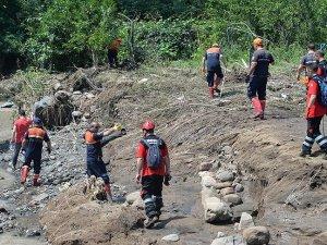 Ordu'daki sel ve heyelanda kaybolan 2 kişiyi arama çalışmaları sürüyor