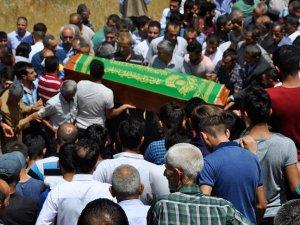 Terör saldırısında hayatını kaybeden çocukların cenazeleri toprağa verildi