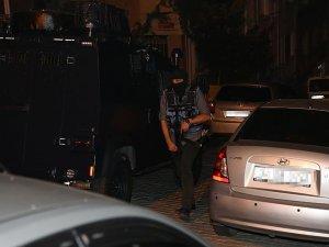 İstanbul'daki terör operasyonunda 5 kişi gözaltında