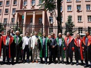 Yüksek yargıdaki düzenlemeye bazı üyelerden protesto