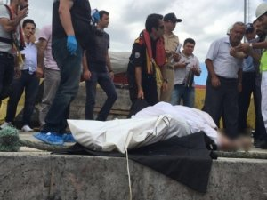 Tekne faciasında kaybolanlar aranırken başkasının cesedi bulundu