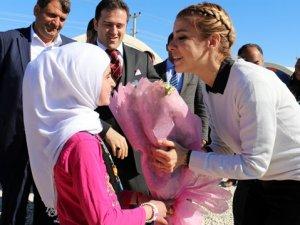 Suriyelilere sahip çıkan Gülben Ergen'e linç