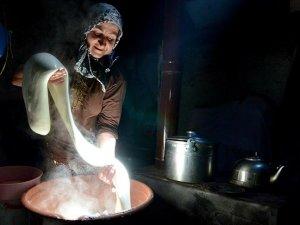 Kazanlar 'çeçil' peyniri için kaynıyor