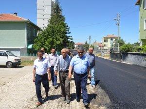 Başkan Özgüven, asfalt çalışmalarını yerinde inceledi