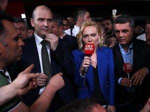 Bakan Soylu halkla birlikte TRT'ye girdi