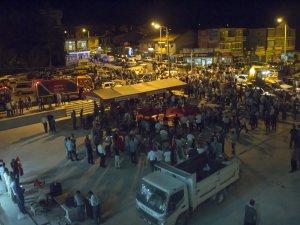 Yunak'ta halk demokrasi için toplandı
