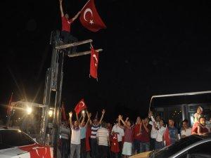 Konya'da vatandaşlardan mehter marşlı tepki