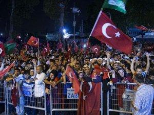 Kısıklı'da 'demokrasi nöbeti' devam ediyor
