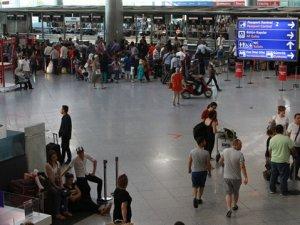 Yeşil pasaportlu darbeciler yurt dışına kaçıyor