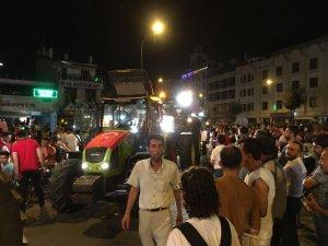 Konya'da darbe girişimine traktörlü tepki
