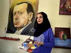 Gazze'li ressam destek için Erdoğan'ın portresini resmetti