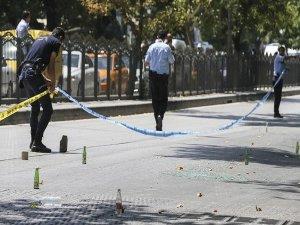 Başkentte polisten kaçan bir kişi vurularak gözaltına alındı