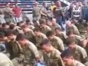 Kahraman komutan cuntacı askerleri polise böyle teslim etti