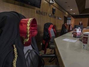 Darbe girişimi soruşturmasında 24 şüpheli mahkemede