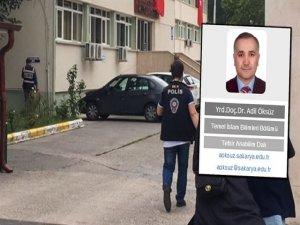 İlahiyatçı doçent Akıncılar'da yakalandı