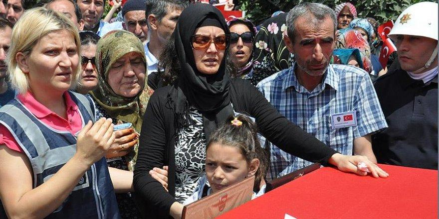 Polis memuru Solak Balıkesir'de toprağa verildi