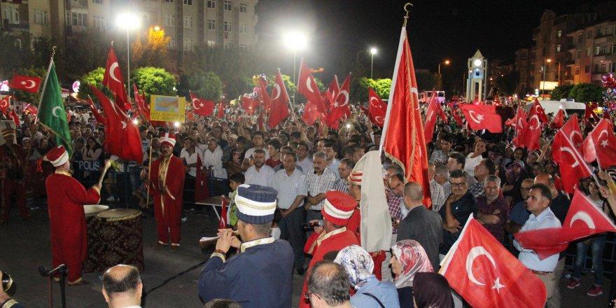 Karaman'da mehter takımı demokrasi nöbetine renk kattı