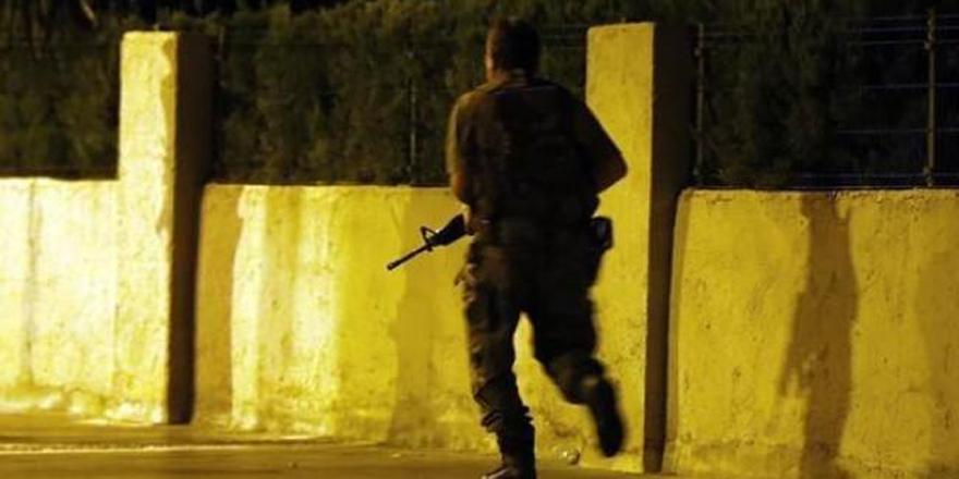 Darbeci askerler bordo berelileri böyle kandırmış!