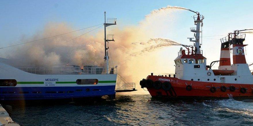 Çanakkale'de feribotta yangın