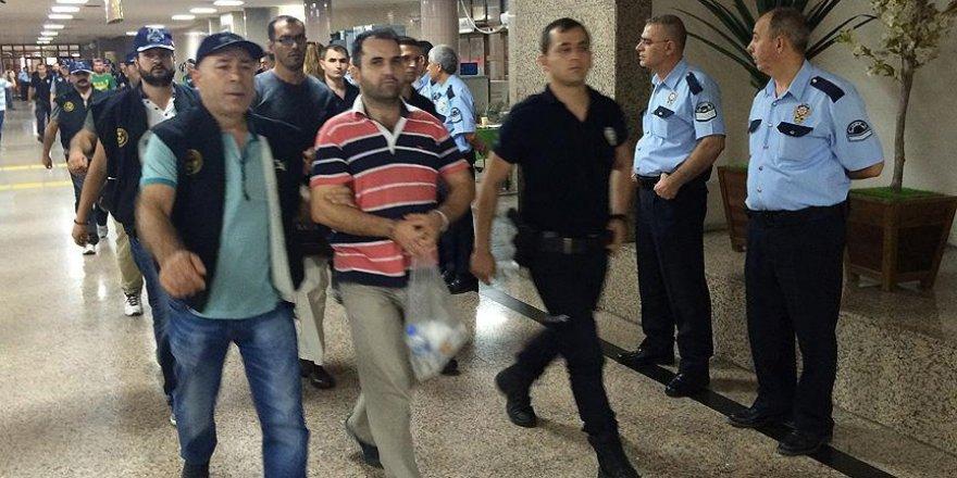 İzmir'deki FETÖ darbe girişimi soruşturmasında 15 tutuklama