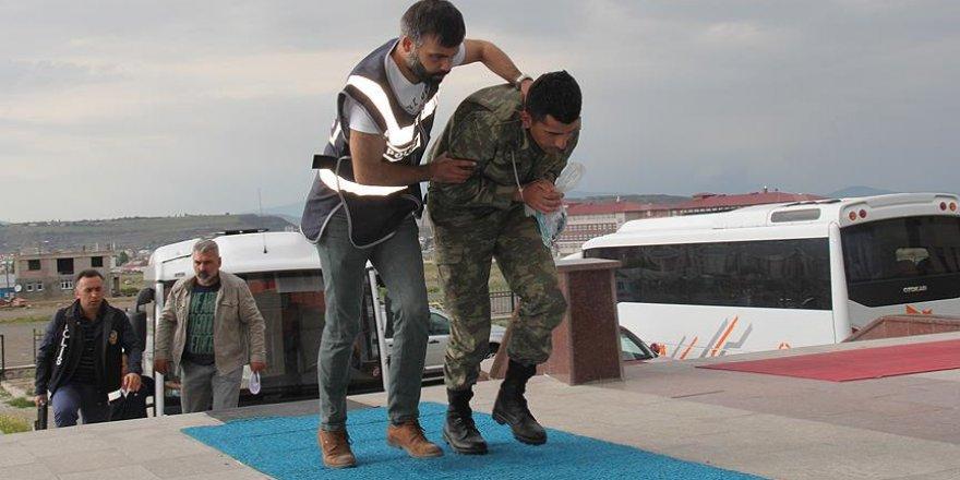 Kars'ta gözaltına alınan 19 asker tutuklandı