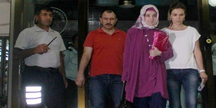 Dicle'nin Rektörü Ayşegül Jale Saraç yakalandı