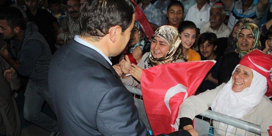 'Demokrasi nöbeti'ndeki vatandaşlardan OHAL kararına destek