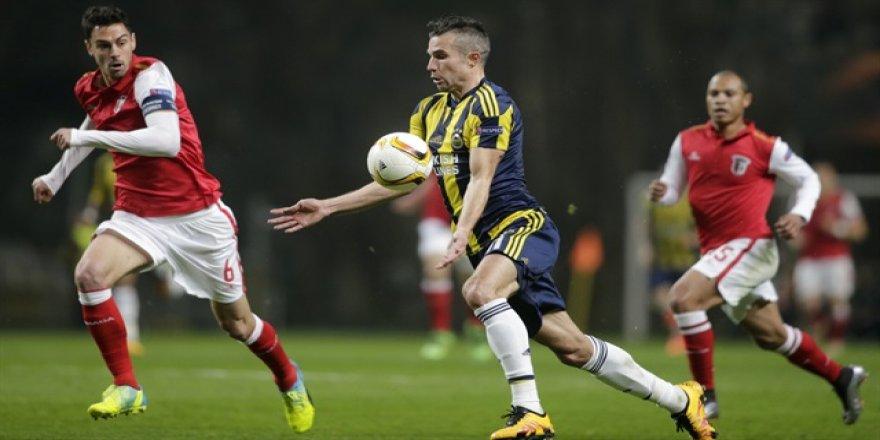 Van Persie Fenerbahçe'den Stoke City'e gidiyor