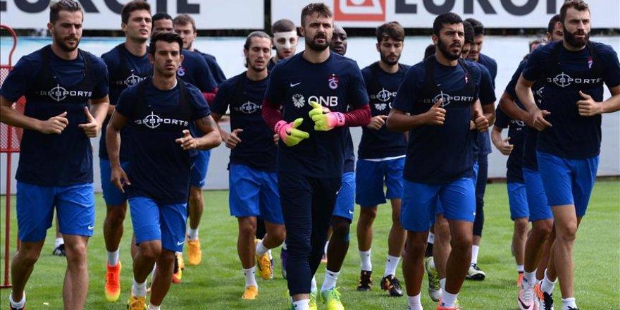 Trabzonsporlu futbolcular demokrasi nöbetine katılacak