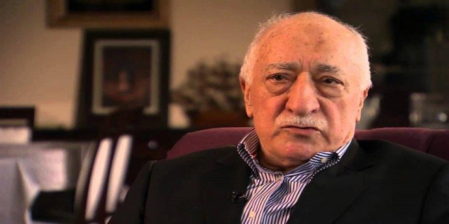 Terörist Gülen darbeyi itiraf edip halka ahmak etti