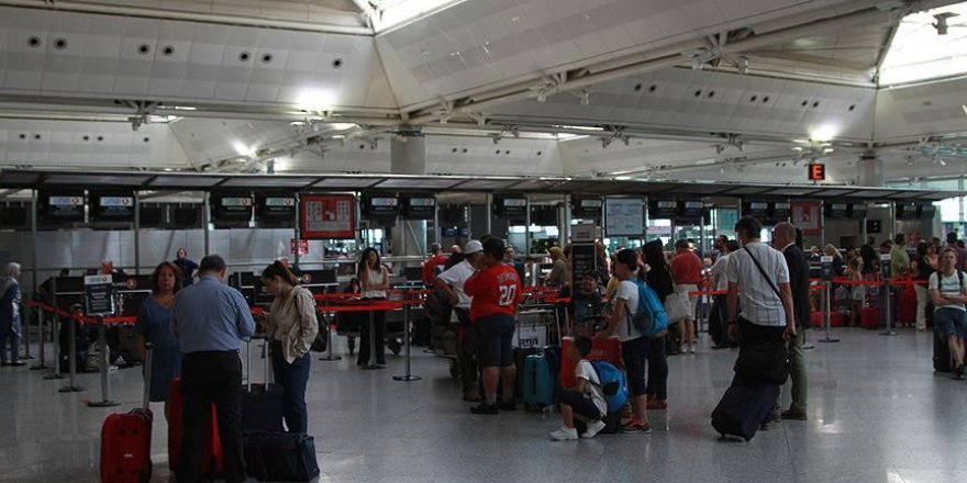 Yeşil ve gri pasaportlulara yurt dışına çıkışlarda yeni düzenleme