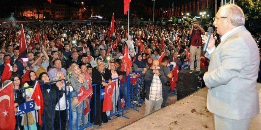 Vali Nayir: Meydanları boş bırakmayan Kütahya halkına teşekkür ediyorum