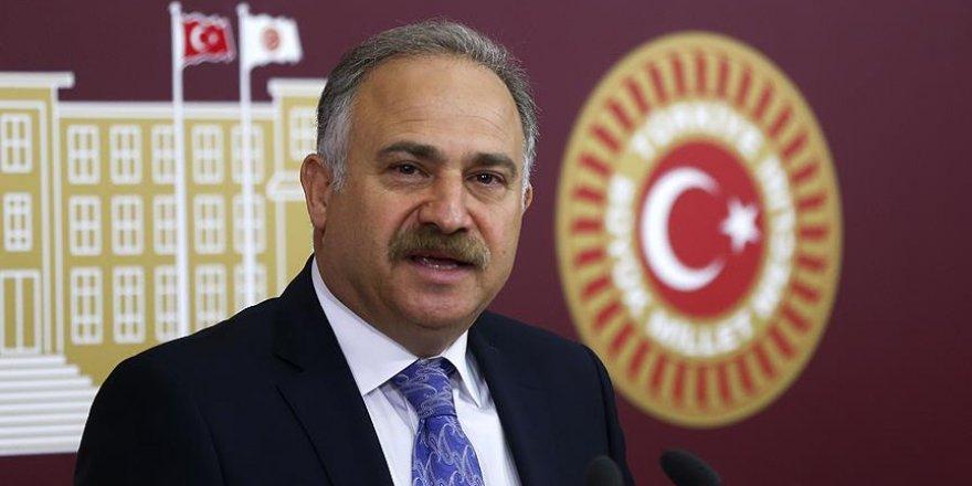 Gök: Türkiye 15 Temmuz'u fırsata çevirebilir